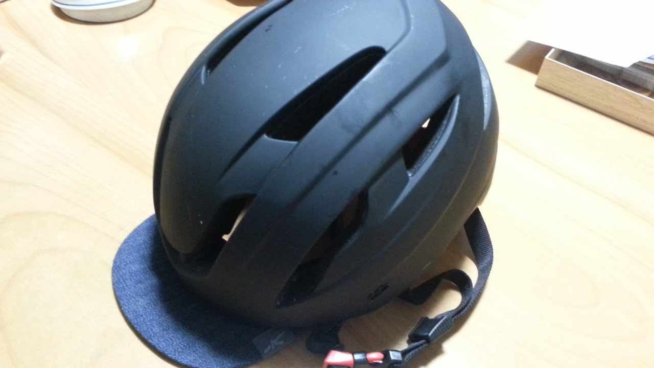 実は実用性も高いヘルメットアクセサリーバイザー KOOFU Bit Visor