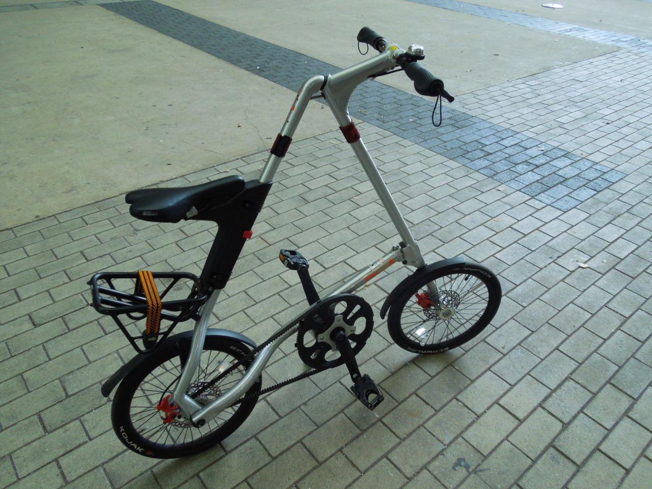個性の塊のような折りたたみ自転車 STRIDA EVO