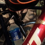 高尾山の自転車お守りを自転車に装着する