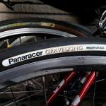 公道用ロードバイクタイヤ パナレーサー・ツアラープラスとグラベルキングの違い