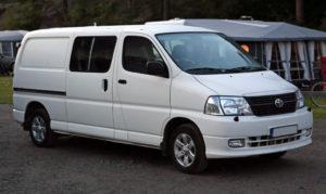 1024px-2007_Toyota_Hiace_Van_LWB_KLH22